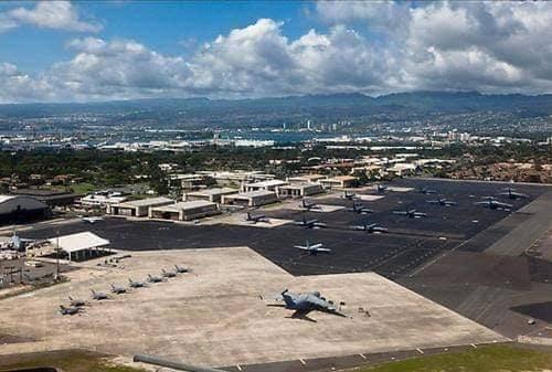 Cùng với loại pháo đài bay B-52 và B-1 Lancer