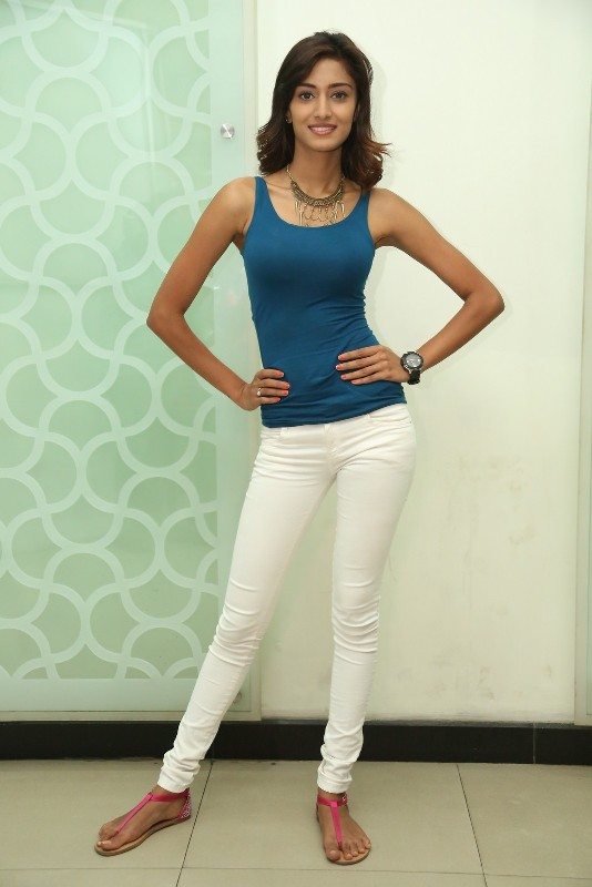 Erica Fernandes Physical Appearance