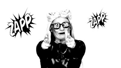 """Na foto: Sátira do clipe da Anitta no quadro """"Os Velhinhos Se Divertem"""". Crédito da foto: Reprodução/SBT"""