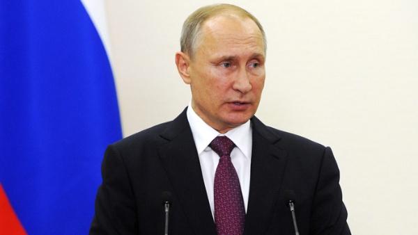 EE.UU. distrae a los votantes al señalar a Rusia como enemiga