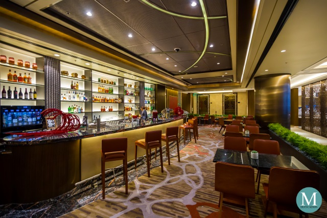 The Lounge and bar at Sheraton Manila Hotel
