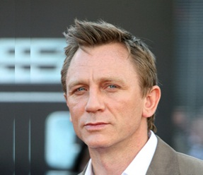 DANIEL CRAIG HAIRSTYLES & HAIRCUTS | Hairstyle Pictures ...