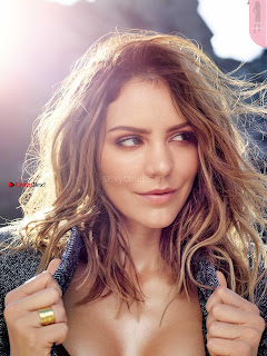 Katharine McPhee Beautiful Boobs in Health Magazine December 2017