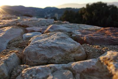 Spoleto: pietre al tramonto