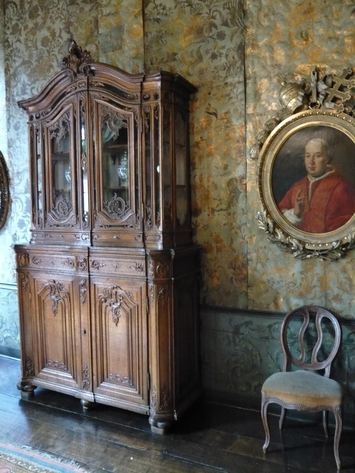 Ornamentsnijder patrick damiaens de luikse meubelen for Interieur english