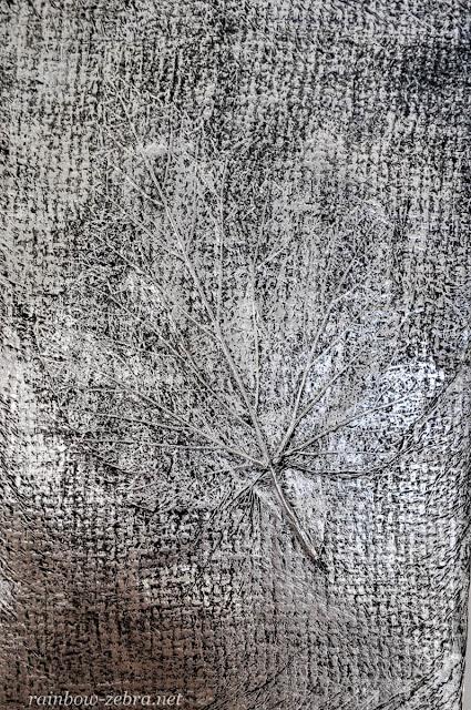 Рельеф листка