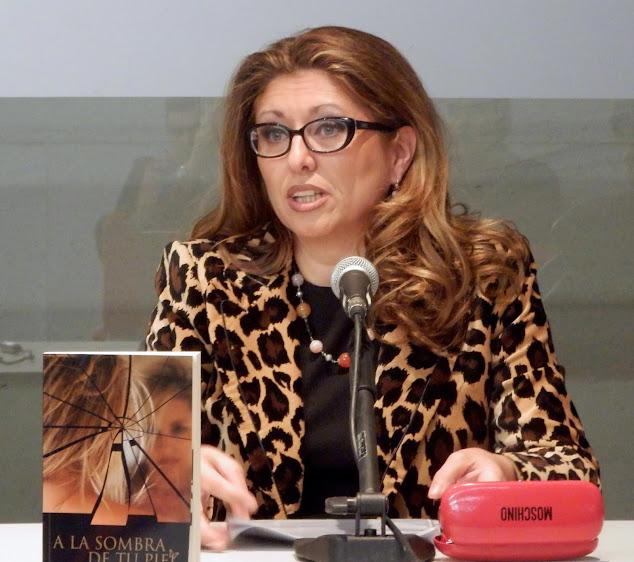 """El Blog de María Serralba - Presentación """"A la sombra de tu piel"""" Sant Joan d´Alacant"""