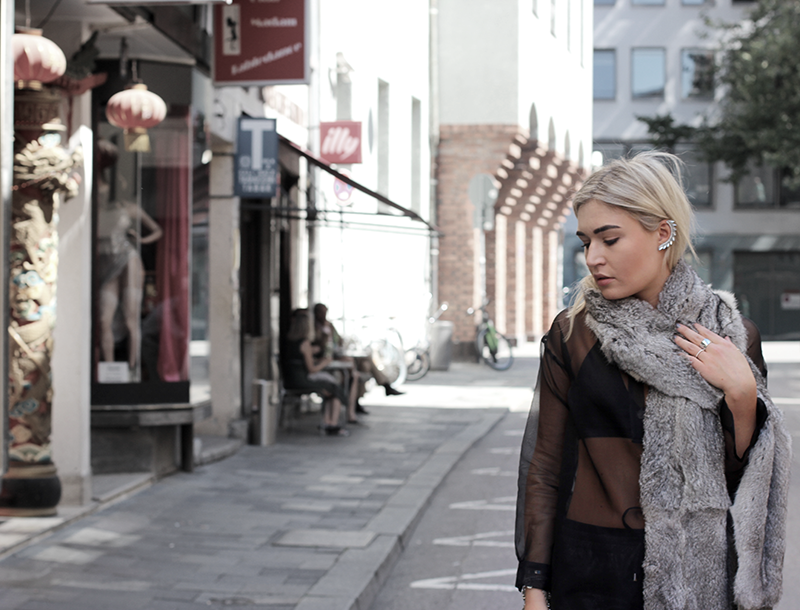 ootd-outfit-Look-Streetstyle-La Perlina-Designer-Design-Photography-Style-Lookbook-Munich-Muenchen-Blogger-Modeblog-Fashionblog-Fashion-Deutschland-Lauralamode