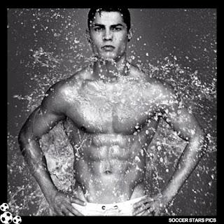Soccer Stars Pics: Cristiano Ronaldo Without Shirt