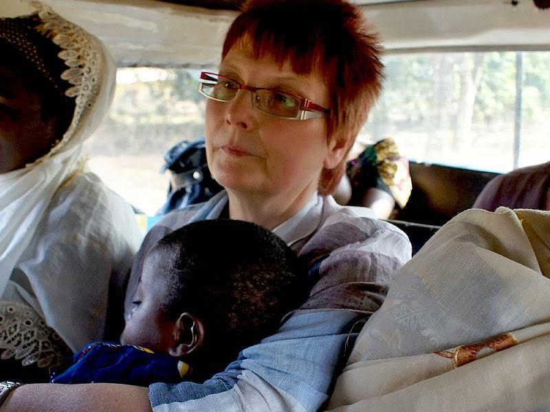 Marita Mutschler auf ihrer Reise durch Togo.