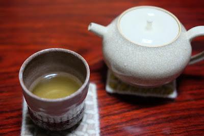 生坂村の古民家カフェ・ひとつ石の日本茶 天龍村 中井侍銘茶