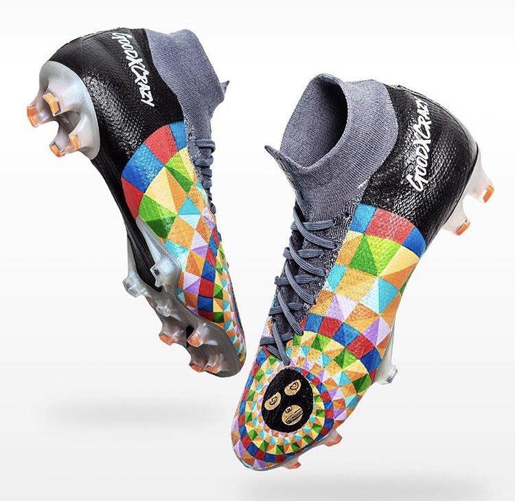 gut aussehend bestbewertet billig große Auswahl von 2019 Dani Alves Präsentiert einzigartige maßgeschneiderte Nike ...