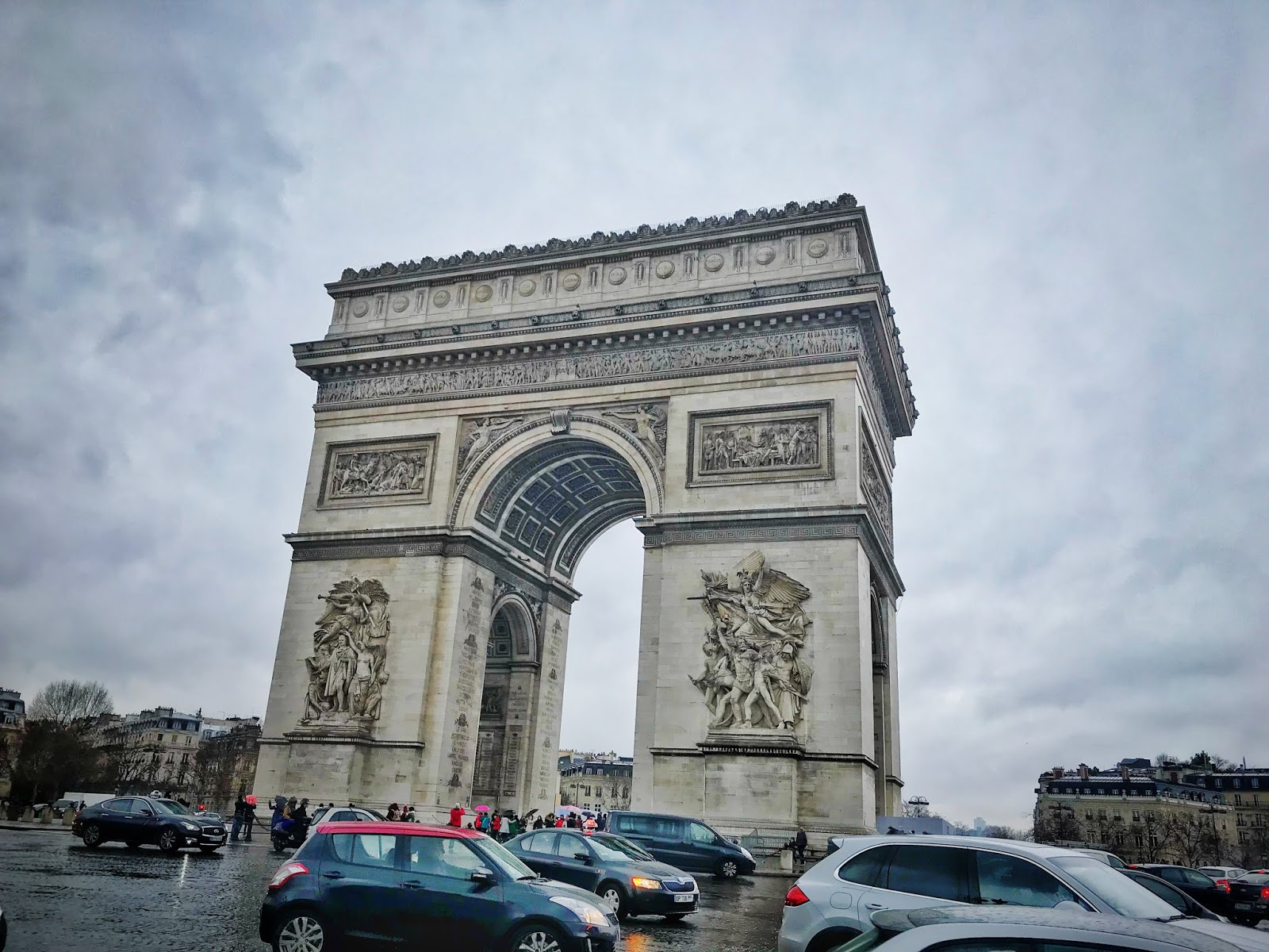 Arc de Triumph, Paris, Paris in the rain, cloudy day in Paris, Paris in winter, Sites of Paris