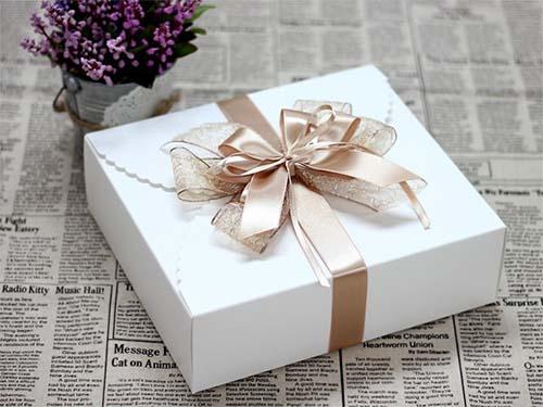 In hộp đựng quà đẹp giá rẻ