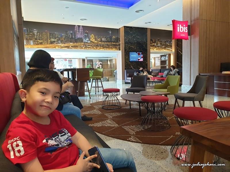 Siapa cakap sibuk kerja tak boleh bercuti? Ibis Hotel Kuala Lumpur check in !