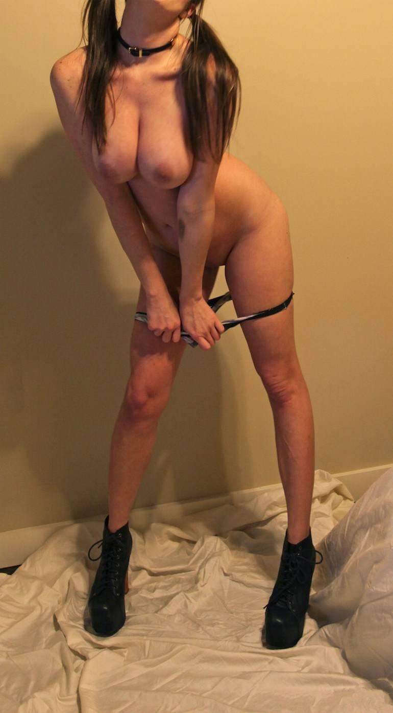 foto bugil cewek bule toket gede pas mandi,gambar porno cewek semok telanjang dan pamer memek pink jembut botak