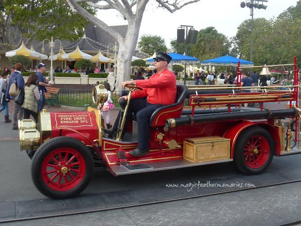 Disneyland Horseless Carriage