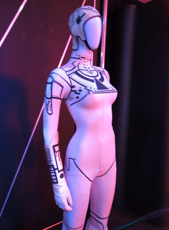 Tron Yuri movie costume