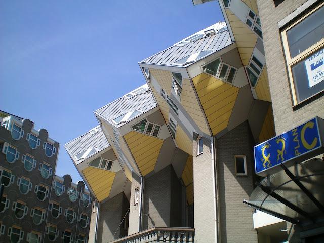 Casas cubo diseñadas por el arquitecto Piet Blom en 1984 - vista