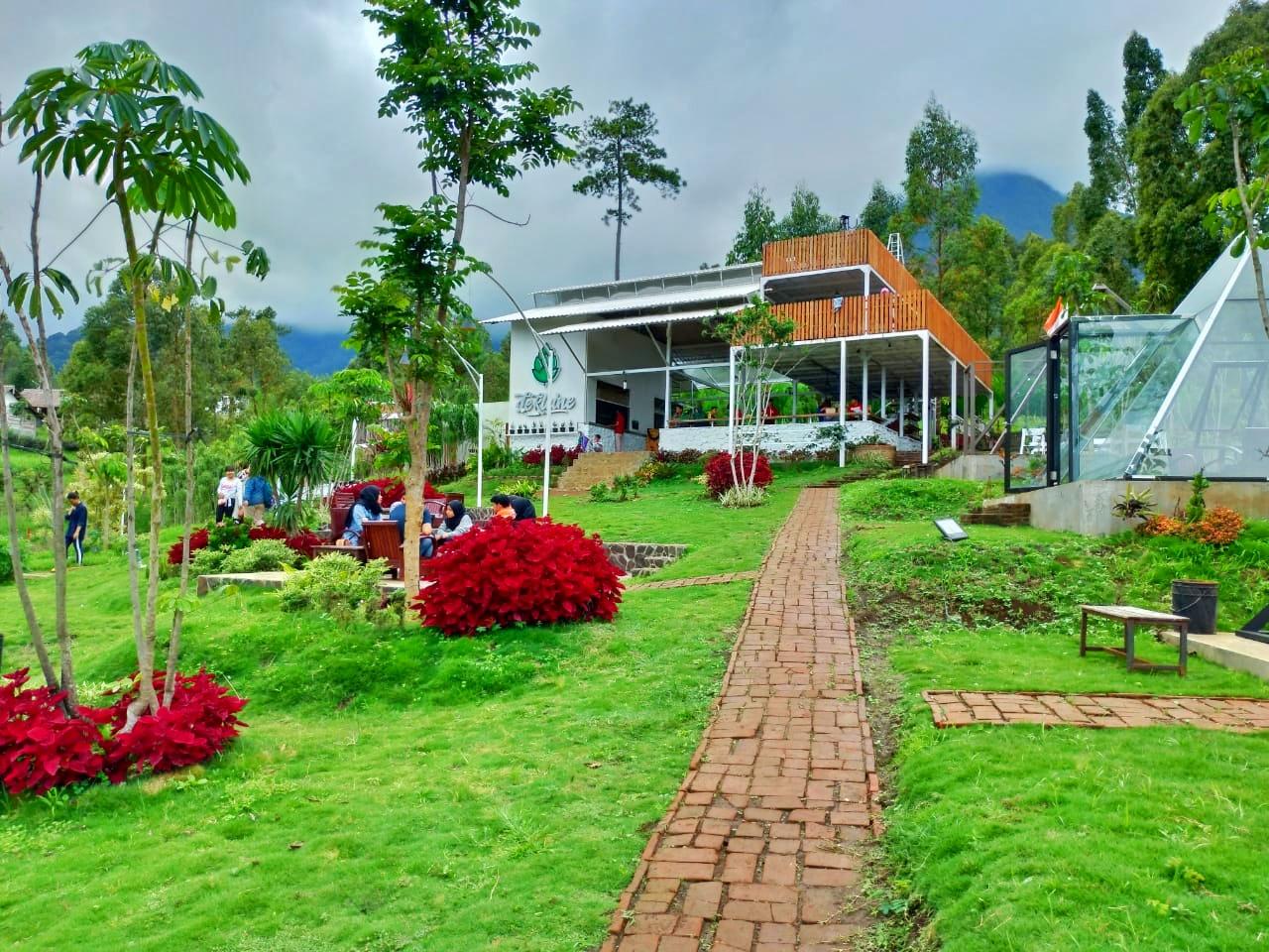 Cafe De Kleine Culinary and Camp, Batu, Malang [REVIEW]