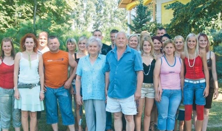 Egy család, amely Isten kezébe helyezte a gyermekáldást