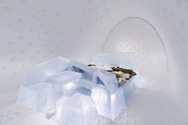 Dünyanın En Büyük Buz Oteli
