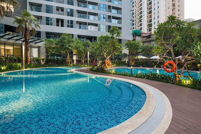 Bể bơi ngoài trời tại dự án