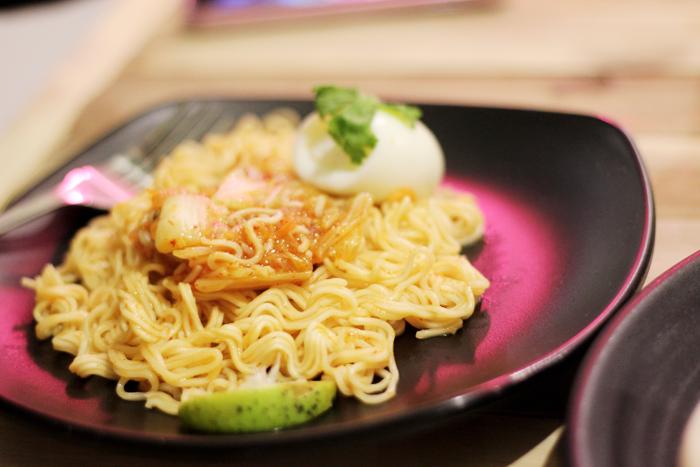 kimchi noodles ner|dee cafe nerdee ner dee café brunei darussalam