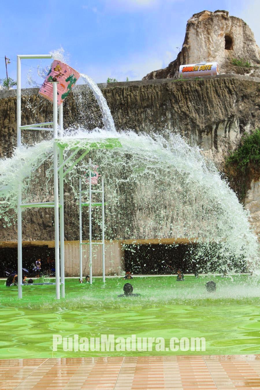Fasilitas Pemandian Air Kolam Batu Kapur