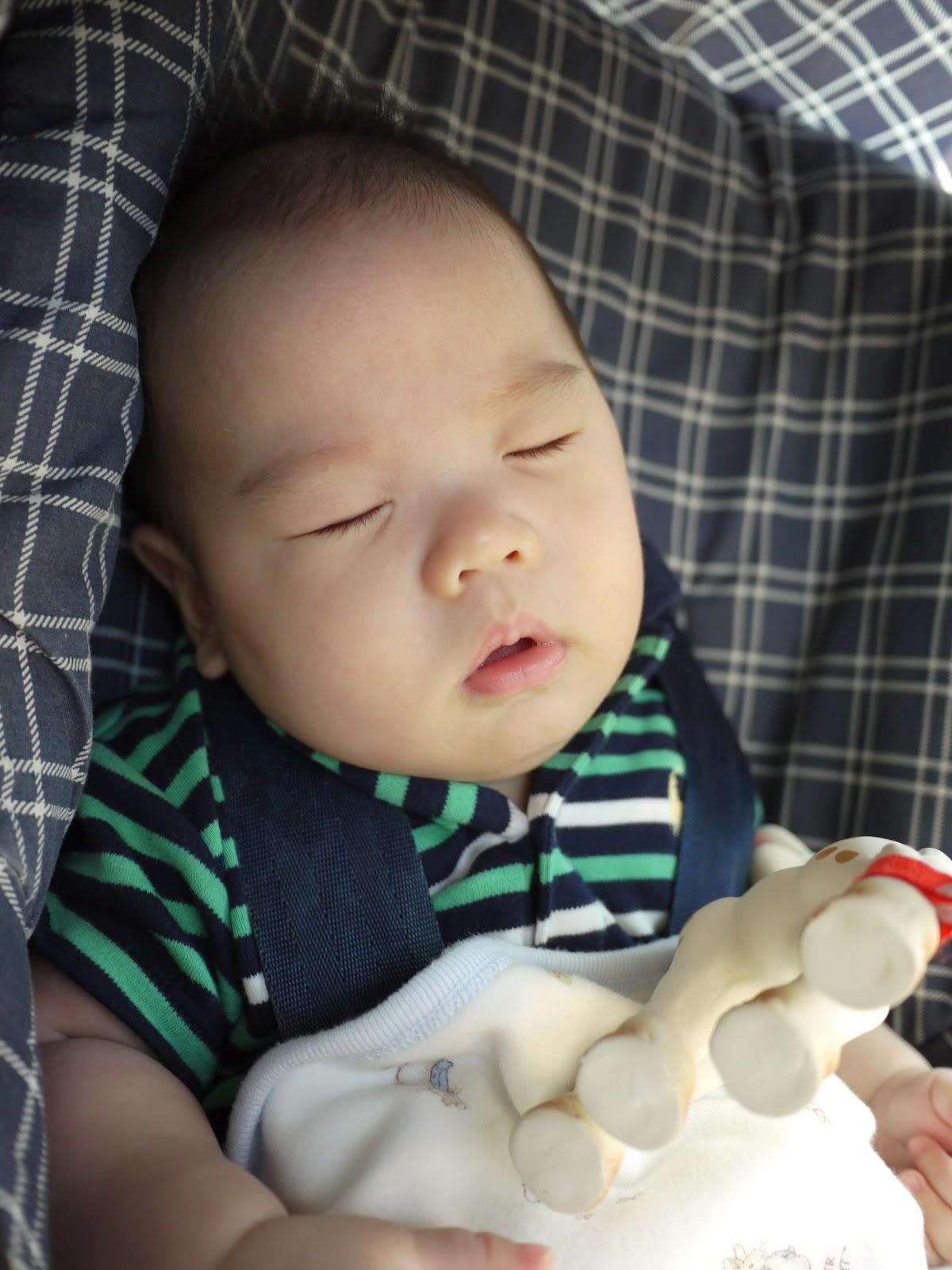 滿五個月之嬰兒變好大 @ aka Jass :: 痞客邦