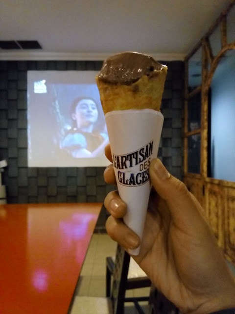 cinema-bakery-jogja-ice-cream-kafe-hangout-friends-ajengmas