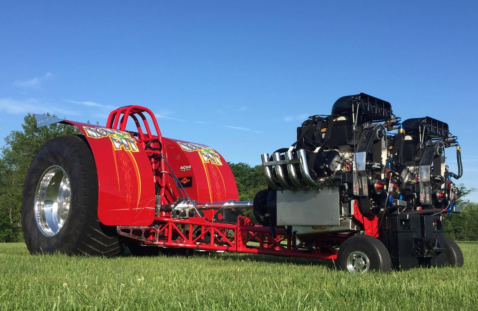 Tractor pulling news pullingworld from v12 to v8 money pit from stonington illinois in the usa the money pit pulling team and corzine motorsports have joined together to bring a new entry to the ntpa light sciox Images