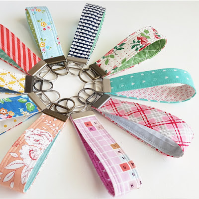http://www.woodberryway.com/2017/08/back-to-school-fabric-key-fob-tutorial.html