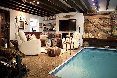 Casa em manhattan tem piscina no meio da sala veja o for Piscina in casa