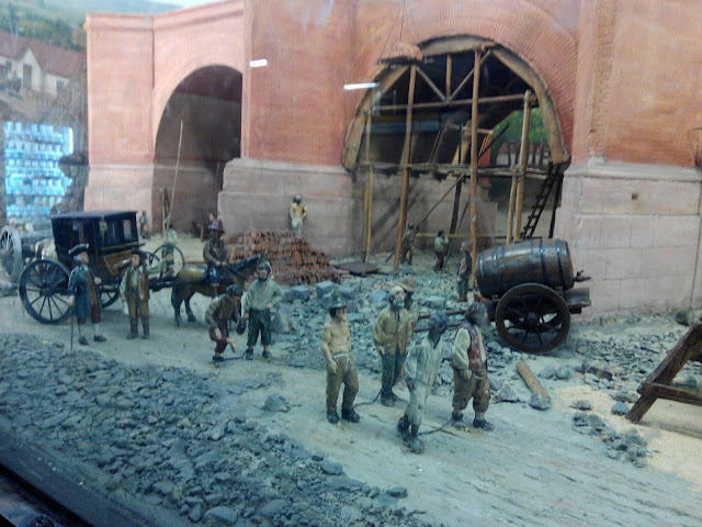 Diorama del Puente de Calicanto en el metro de Santiago Chile