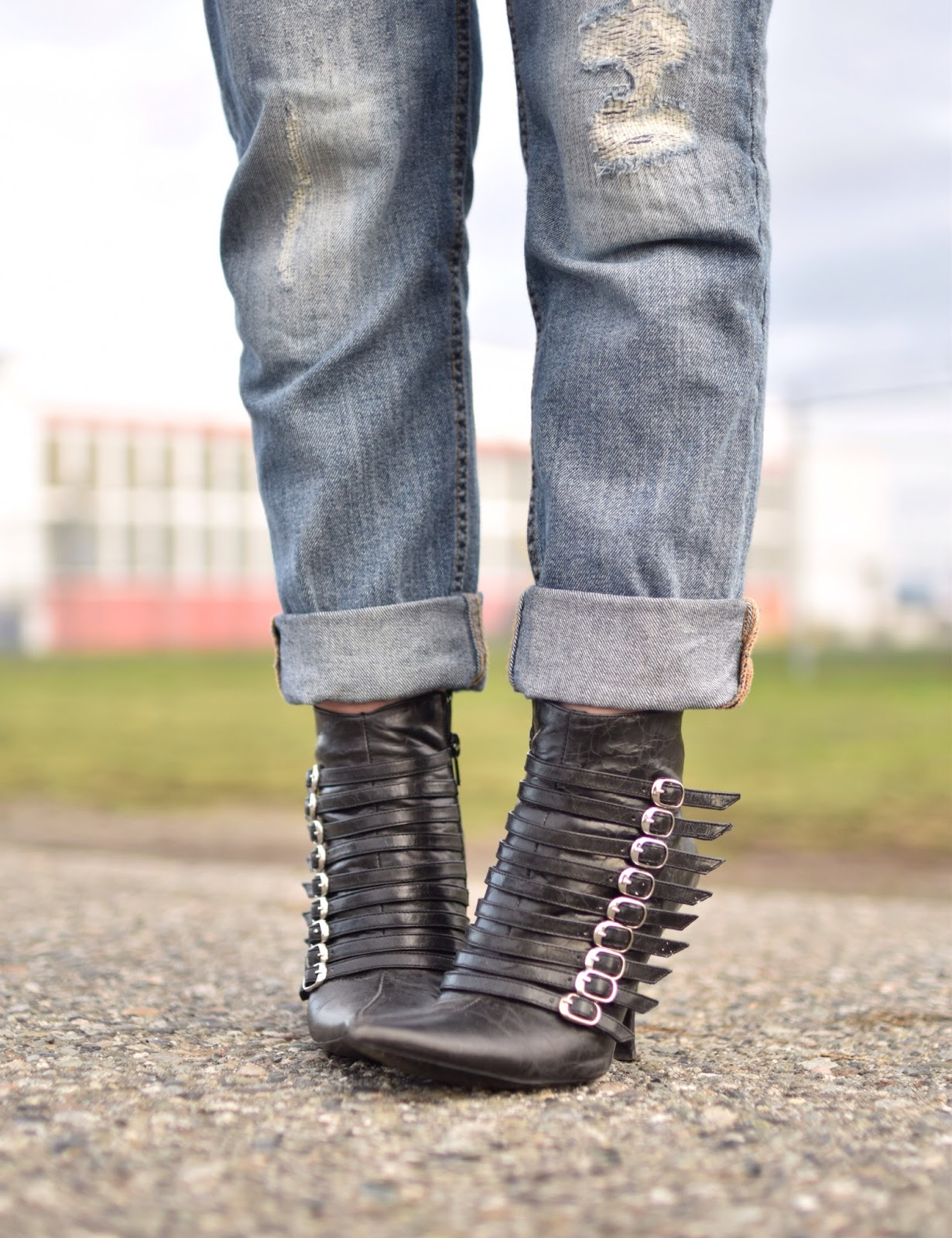 Monika Faulkner outfit inspiration - boyfriend jeans, buckle-embellished stiletto booties