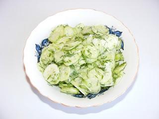 Salata de castraveti reteta,