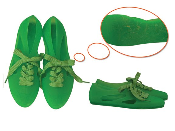 16933e5d8f4b The  Bathing Shoe  (that sounds so glamorous and 1940s 50s) in a vivid  green
