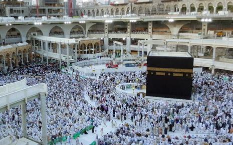 Innalillahi.. Badai Kembali Hantam Makkah, Jendela Hilton Tower Jatuh Mengenai Jamaah