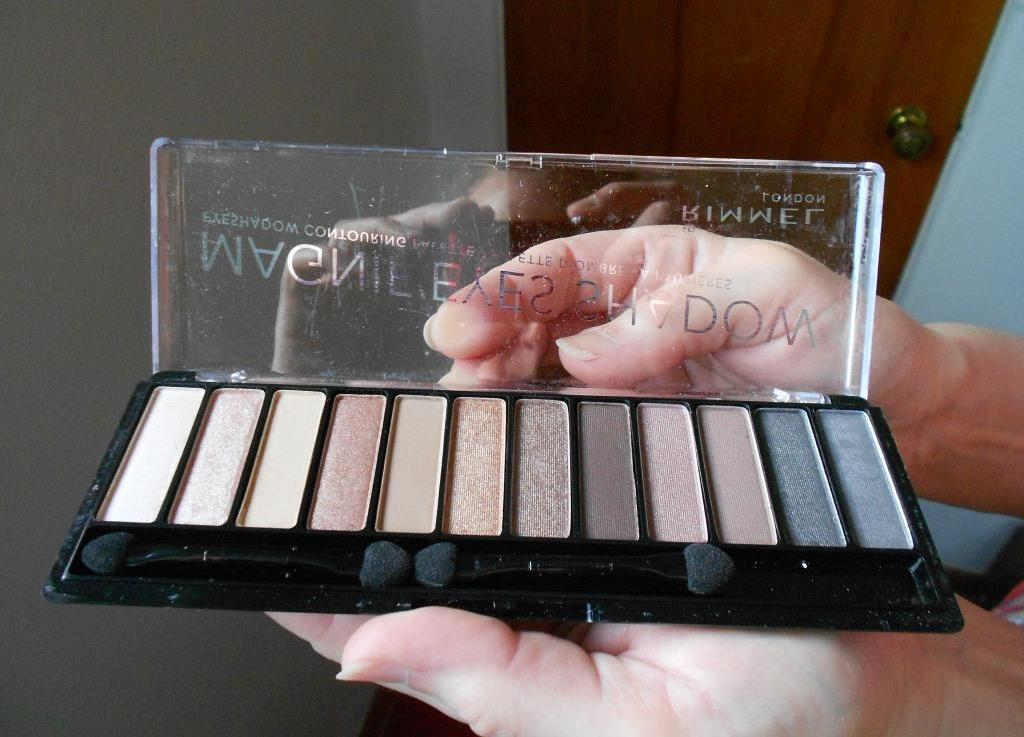 Rimmel Magnif'eyes Shadow Palettes Keep Calm and Wear Gold palette