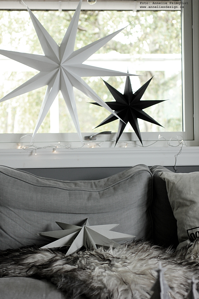 stjärna, stjärnor, house doctor, annelies design, webbutik, webshop, nätbutik, nätbutiker, nettbutikk, fårskinn, julpynt, jul, julen 2016, julstjärna, julstjärnor, advent, soffa, vardagsrum, fönster,