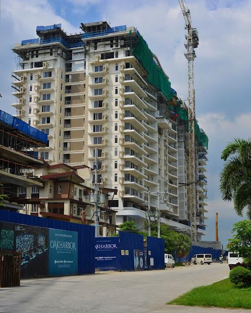 DMCI Homes Oak Harbor Residences building facade along Jackson Avenue Lauderdale and Westport