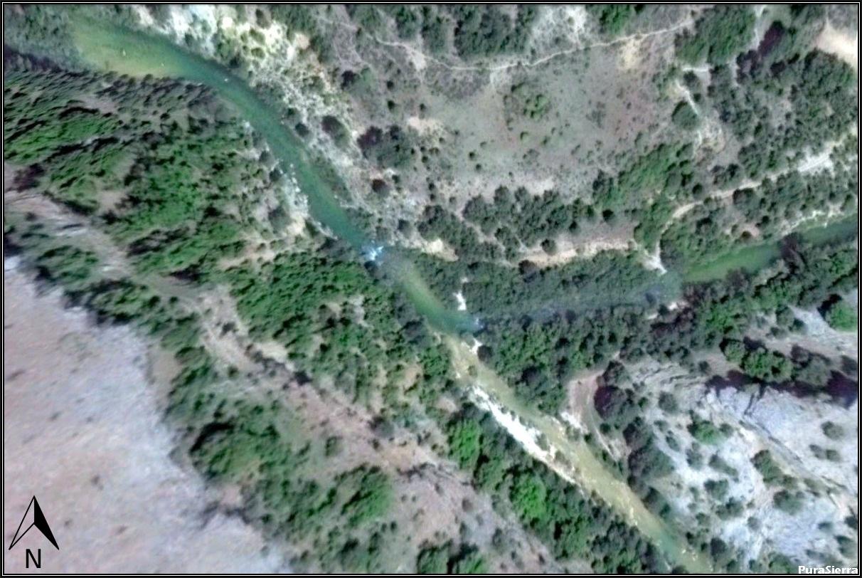 Fotografía aérea cercana de Las Juntas