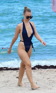 Bianca-Elouise-in-Swimsuit-811+%7E+SexyCelebs.in+Exclusive+Celebrities+Picture+Galleries.jpg