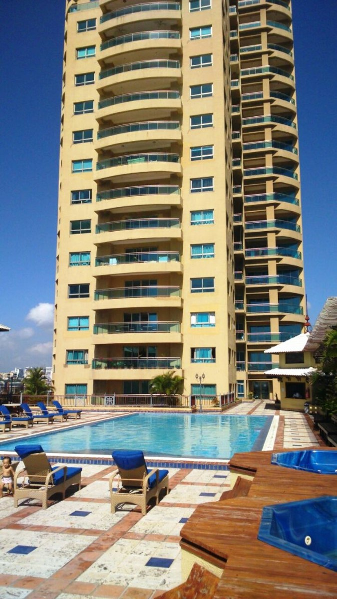 For rent for sale en santo domingo rep blica dominicana for Piso 9 malecon center