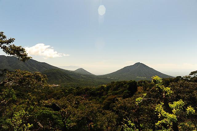 Laguna de Alegria in njena okolica vulkanov, Salvador