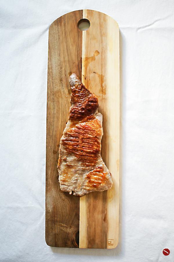 Rezept für weißen Spargel aus dem Varoma mit Original Bozner Sauce, Iberico Secreto mit perfekter Kerntemperatur #spargel #spargelrezepte #einfach #vegetarisch #ostern #muttertag #gemüse #spargel_rezepte #weißer #kochen #ofen #kalorienarm #dämpfen #tm31 #grillen #klassisch #zubereiten #ofen #deutsch #foodblog #foodphotography #plating #spargelwein #wein #weinblog #fleisch #bozner_sauce #südtirol #italienisch #iberico_secreto #gourmet #schweinefleisch #rosa #kurzgebraten #gegrillt Arthurs Tochter