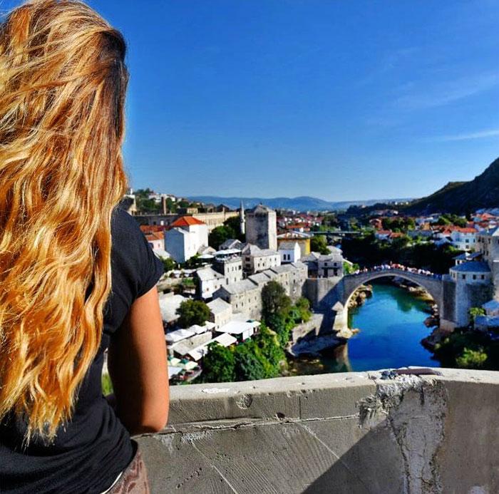 A mais jovem a visitar todos os países da Terra