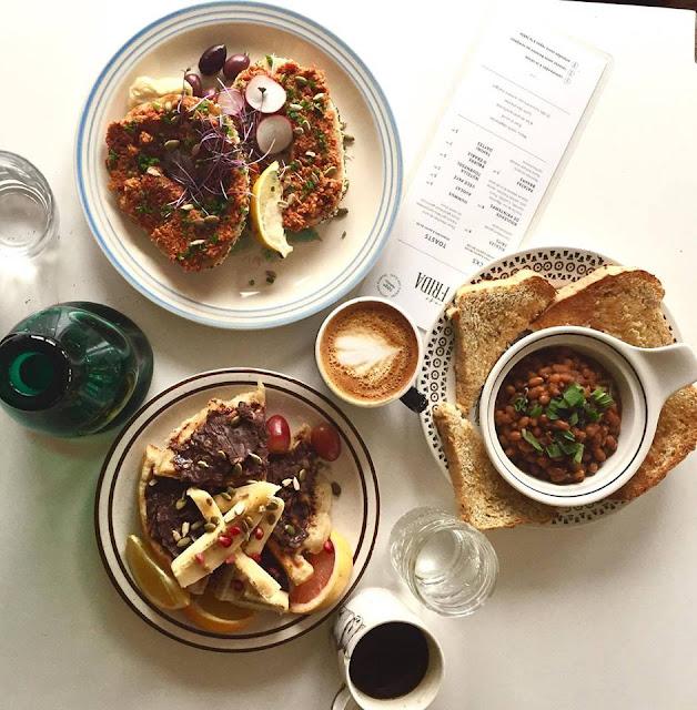 10. Une sortie café Frida
