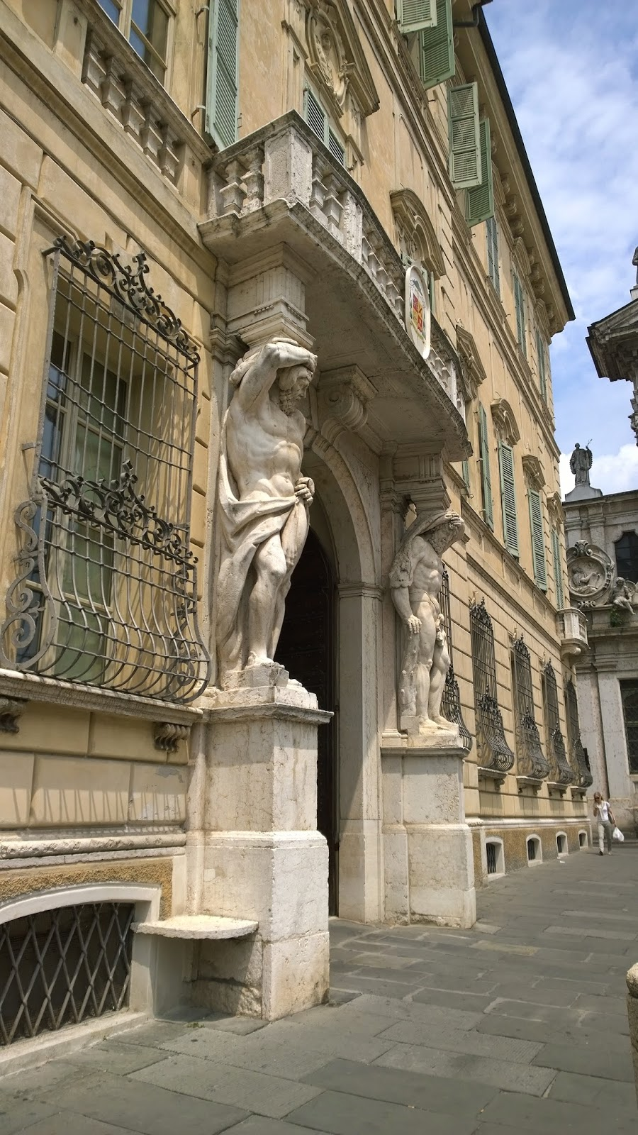 Building entrance at Piazza Sordello